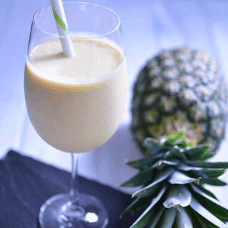 Piña Colada Summer Smoothie | #SundaySupper