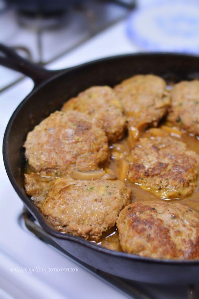 """""""Turkeys-bury"""" Steaks in Mushroom Gravy"""