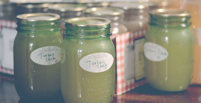 How to make Homemade Turkey Stock (Or Chicken)