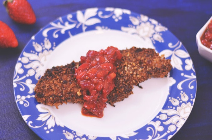 Pecan Crusted Chicken with Strawberry Chipotle Salsa | #FLStrawberry #SundaySupper