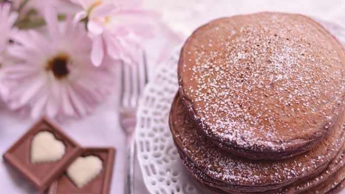 Breakfast in Bed with Chocolate Pancakes | A Sweet Pairing