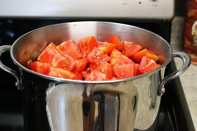 How to Make Homemade Tomato Sauce from Cosmopolitan Cornbread