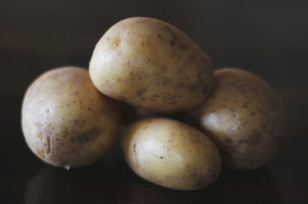 Tips on planting and growing your own potatoes from Cosmopolitan Cornbread