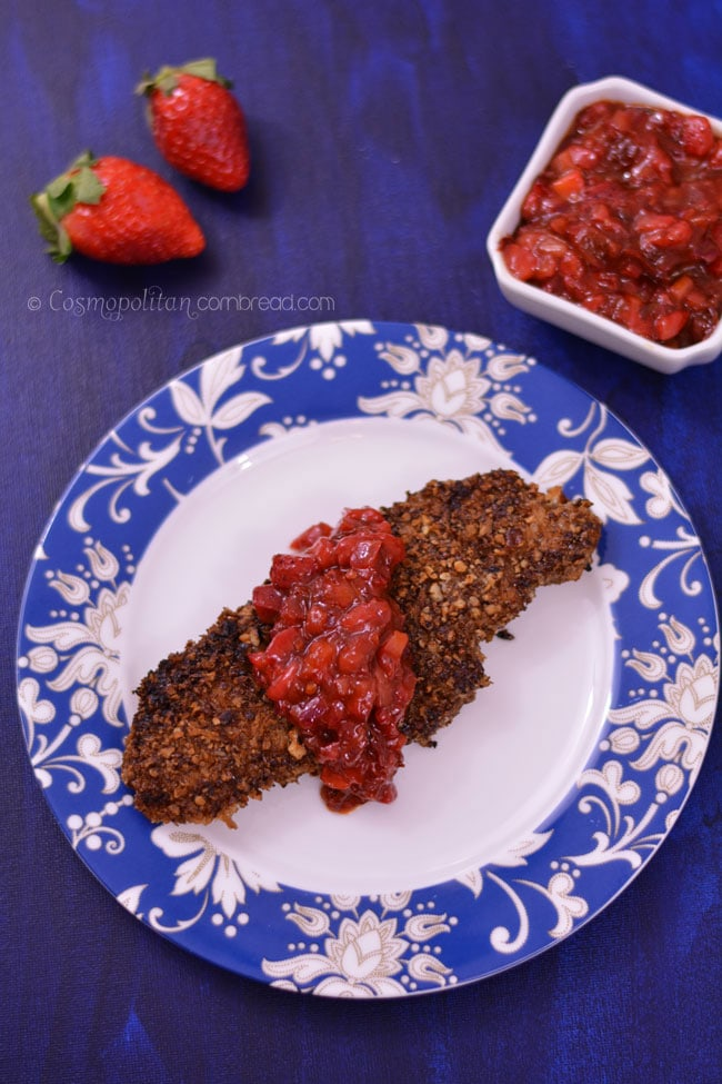 Delicious Pecan Crusted Chicken with amazing Strawberry Chipotle Salsa - get the recipe from Cosmopolitan Cornbread | #SundaySupper @Flastrawberries