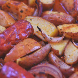 Cajun Taters & Sausage   #SundaySupper #GameDayIdahoPotatoes