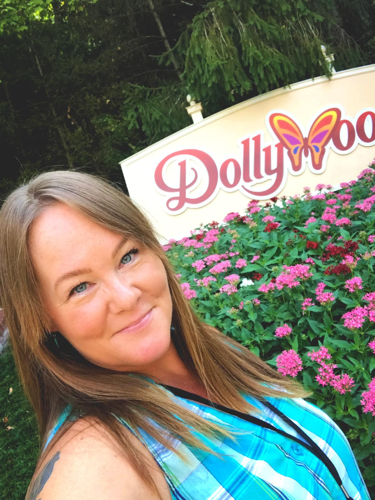 The Food of Dollywood - Eating My Way Across the Park