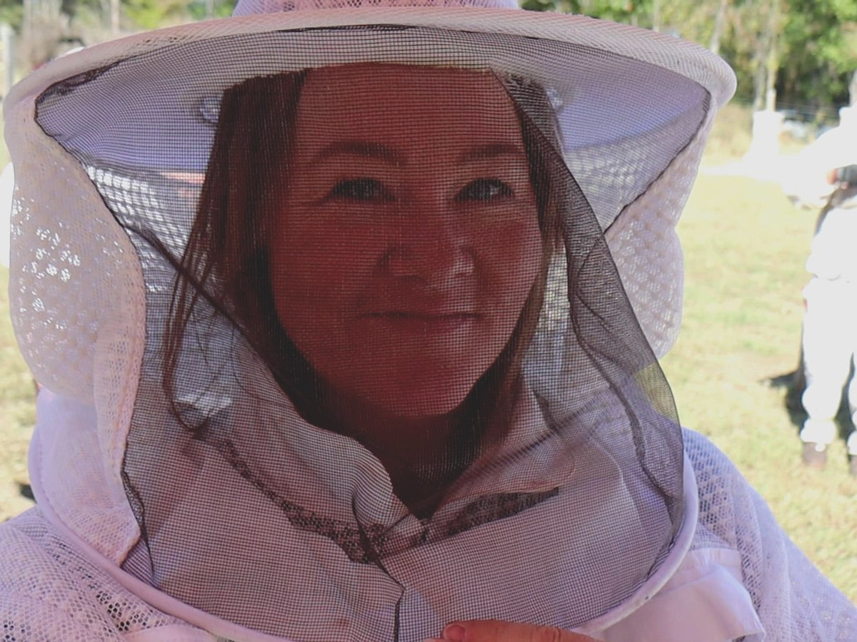 A recap of the hands-on beekeeping workshop that I attended at Homesteaders of America, 2019.