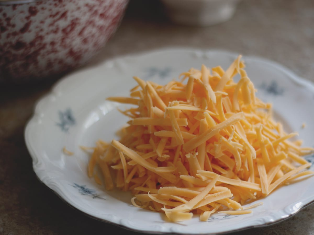 shredded cheddar cheese