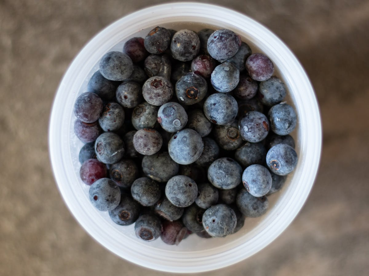 How to Freeze Blueberries (and other Berries too!)