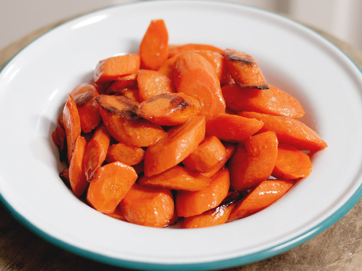 These honey roasted carrots are a healthy and easy-to-make side dish that is perfect for any night of the week. Not to mention, your whole family will love them.